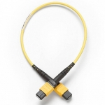 Одномодовый тестовый эталонный кабель Fluke Networks TRC-SM-MPOAPC-UU-A 0,3 м с разъемом MPOAPC/MPOAPC, без штырьков/без штырьков, полярность типа А